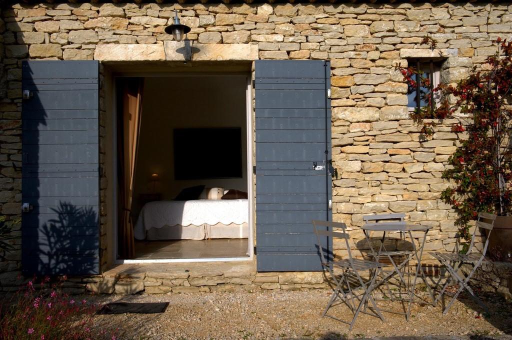 Chambre jade 3 a les terrasses gordes maison d 39 hotes de for Chambre d hote gordes
