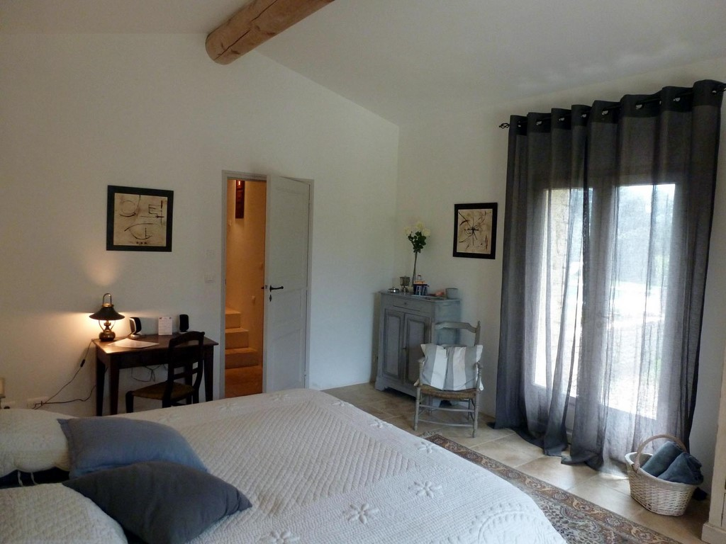 Chambre perle 21 terrasses de gordes luberon provence for Chambre d hotes cancale