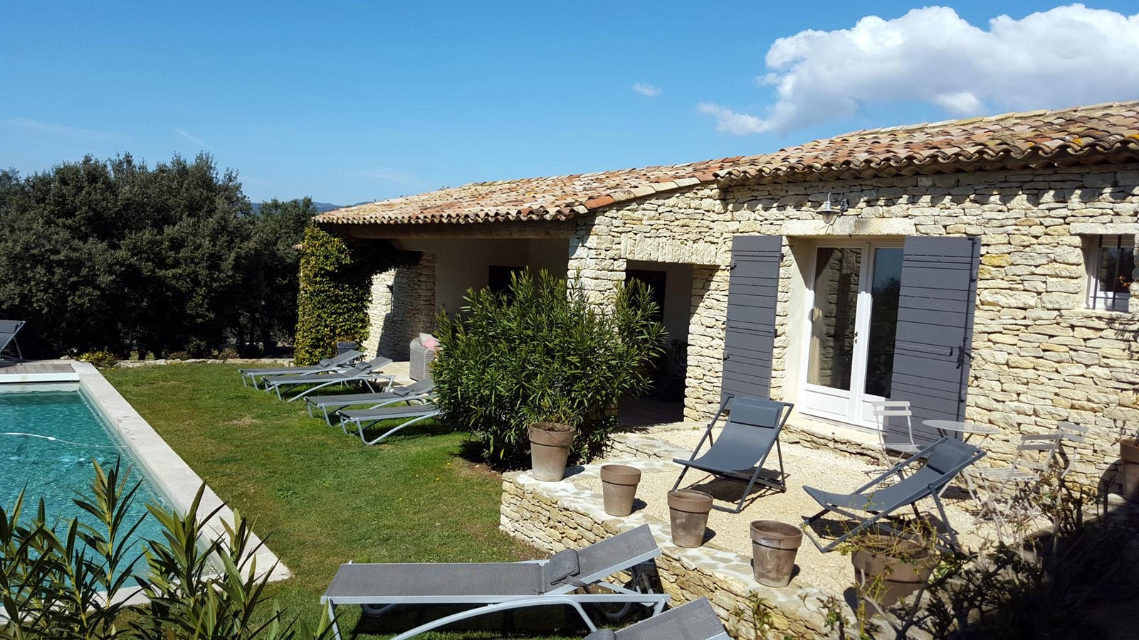 Terrasse chambre jade hiver 10 terrasses de gordes luberon for Chambre d hote gordes