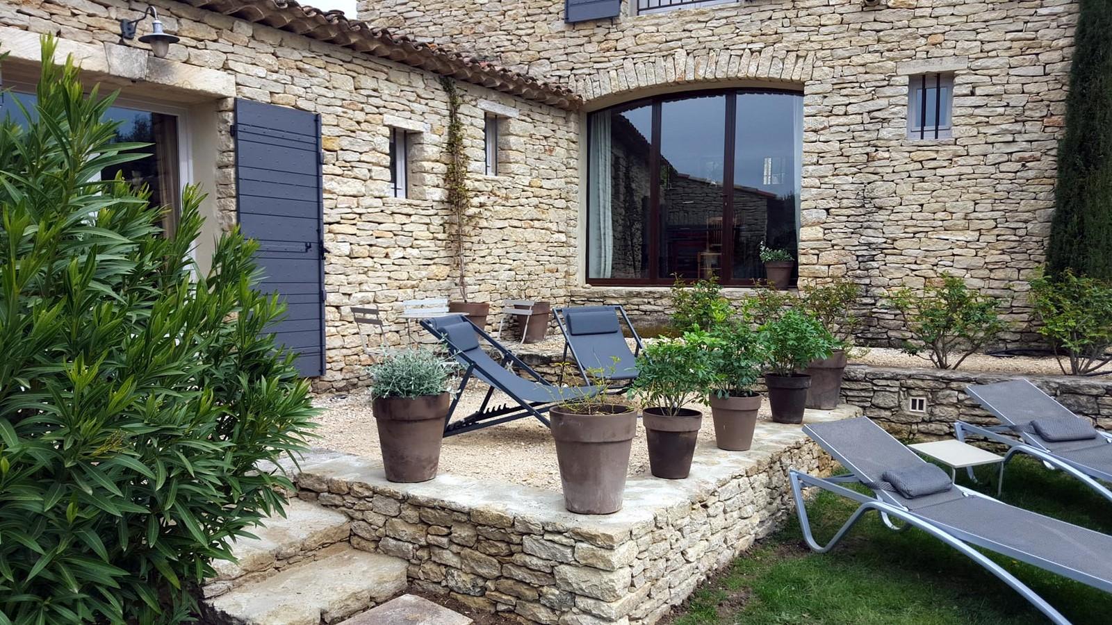 Terrasses chambre jade 5 hiver terrasses de gordes luberon for Chambre d hote luberon