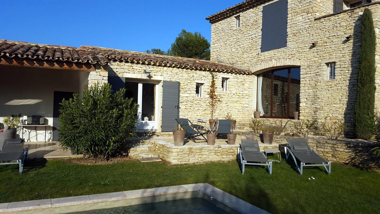Terrasses chambre jade 8 hiver terrasses de gordes luberon for Chambre d hote baux de provence